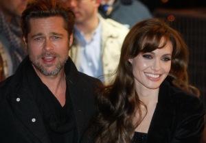 Brat Pitt amerikai színész és párja, Angelina Jolie amerikai színésző a Megaagy (Megamind) című film bemutatóján Párizsban 2010. november 30-án (Forrás: RTL Fórum - Angelina Jolie)
