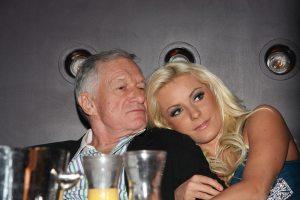 Hugh Hefner, a Playboy alapítója és 60  évvel fiatalabb menyasszonya, Crystal Harris