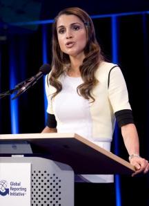Rania jordániai királyné részt vesz egy rendezvényen Hollandia fővárosában, Amszterdamban 2008-ban