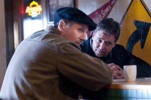 Liam Neeson ír színész és Russell Crowe ausztrál színész A következő három nap (The Next Three Days) című film egyik jelenetében