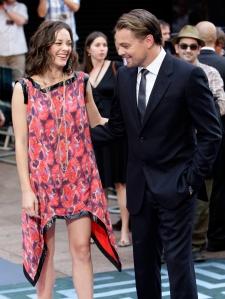 Marion Cotillard Oscar-díjas francia színésznő és Leonardo DiCaprio amerikai színész az Eredet (Inception) című filmjük bemutatóján Londonban 2010. július 8-án