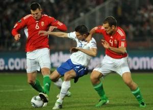 A magyar és a holland labdarúgó-válogatott tagjai játszanak a Puskás Ferenc Stadionban rendezett Európa-bajnoki selejtezőmérkőzésen 2011. március 25-én