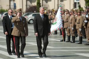 Schmitt Pál köztársasági elnök a budapesti Hősök terén a Magyar Hősök Emléknapján tartott megemlékezésen 2011. május 29-én