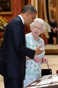 Barack Obama amerikai elök és II. Erzsébet brit királynő a Buckingham-palotában 2011. május 24-én