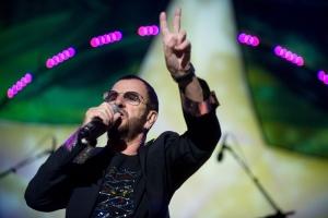 Ringo Starr, brit zenész az egykori Beatles dobosa koncertet ad Budapesten 2011. június 28-án