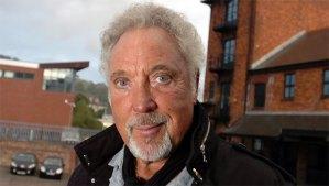 Sir Tom Jones Grammy-díjas walesi énekes