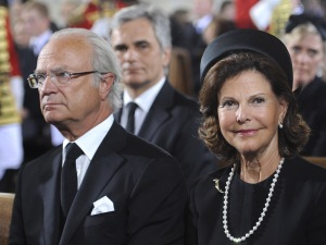 XVI. Károly Gusztáv svéd király és Szilvia királyné részt vesz Habsburg Ottó főherceg, az utolsó osztrák-magyar trónörökös temetésén a bécsi Szent István-székesegyházban 2011. július 16-án