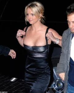 Britney Spears amerikai énekesnő nevére kerestek rá a legtöbben a blogon 2011 augusztusában