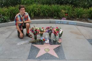 Elvis Presley (1935-1977) amerikai énekes csillagánál a hollywoodi Hírességek Sétányán (Mészáros Márton felvétele)