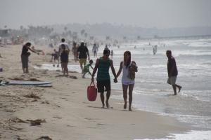 A kaliforniai Santa Monica homokos tengerpartja egy kicsit ködös időben (Mészáros Márton felvétele)