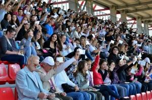 Több ezren olvasták egyszerre hangosan ugyanazt Miskolcon 2011. szeptember 9-én