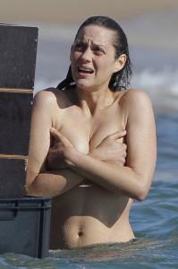 Marion Cotillard Oscar-díjas francia színésznő a Rust and Bones című filmje forgatásán Franciaországban 2011. október 13-án