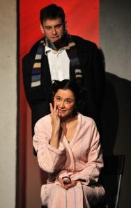 Gryllus Dorka és Simon Kornél Zorin: Varsói melódia című előadásában a budapesti Pince Színházban