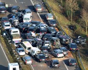 Ötvenkét autó ütközött egymásnak a német A31-es autópályán 2011. november 18-án