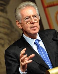 Mario Monti új olasz kormányfő beszél Rómában 2011. november 14-én