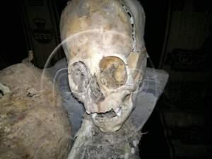 A perui Andahuaylillas város közelében talált mumifikált koponya