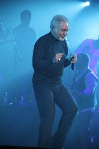 Tom Jones walesi énekes koncertet ad a Papp László Sportarénában Budapesten 2011. november 22-én (Fotó: Mészáros Márton)