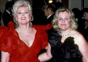 Gábor Zsazsa hollywoodi magyar színésznő és egyetlen gyermeke, Francesca Hilton az 1980-as években