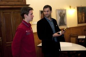 Simon Kornél magyar színésszel, miután átadtam neki az év hazai színészének járó Arany Medál-díjat Budapesten 2011. december 13-án. (Fotó: Marjai János)