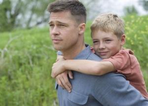 Brad Pitt amerikai színész Az élet fája (The Tree of Life) című film egyik jelenetében