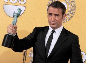 Jean Dujardin francia színész a vígjáték kategória legjobb színészének járó díjjal az amerikai film- és televíziós színészek céhe, a SAG (Screen Actors Guild Awards) Los Angeles-i díjkiosztóján 2012. január 29-én