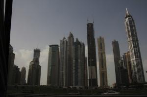 Felhőkarcolók Dubajban, 2011 december (Fotó: Mészáros Márton)