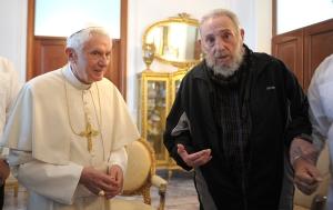 XVI. Benedek pápa és Fidel Castro volt kubai elnök Havannában 2012. március 28-án