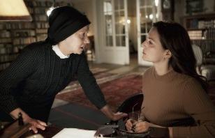 Helen Mirren brit, és Martina Gedeck német színésznő Szabó István Az ajtó című filmjének egyik jelenetében