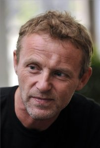 Jo Nesbo világhírű norvég krimiíró a Párizsi Nagyáruházban Budapesten 2012. április 18-án (Fotó: MTI)