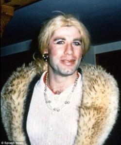John Travolta amerikai színész nőnek öltözve 1997-ben