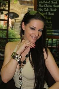 Bernáth Cecília magyar modell egy budapesti kávézóban 2012. június 20-án (Fotó: Mészáros Márton)