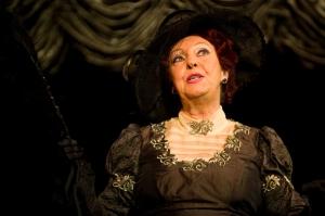 Fodor Zsóka Kálmán Imre: Csárdáskirálynő című operettjének előadásán a Békés Megyei Jókai Színházban 2010. október 18-án