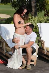 Megan Fox amerikai színésznő és férje, Brian Austin Green amerikai színész Hawaii szigetén 2012. július 27-én
