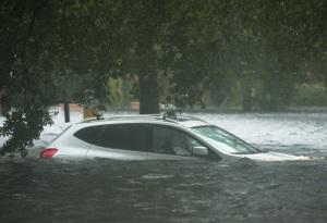Vízalatt egy személygépjármű Mississippi államban 2012. augusztus 29-én, amikor az Isaac hurrikán lecsapott a térségre.