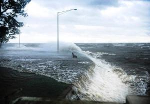 Isaac hurrikán Lake Pontchartrainnél, Louisiana állam, 2012. augusztus 28.