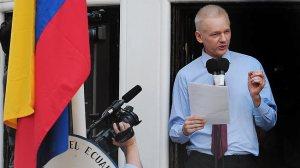 Julian Assange, a WikiLeaks oknyomozó internetes portál ausztrál alapítója