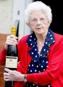Dortohy Peel brit korrekorder (110 esztendős)