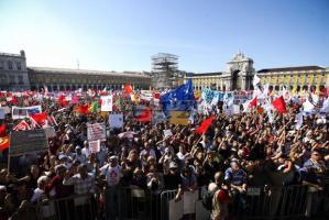 Megszorítások elleni kormányellenes tüntetés Lisszabonban 2012. szeptember 30-án