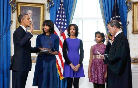 Barack Obama amerikai elnök elmondja a második elnöki ciklusának hivatali esküjét a washingtoni Fehér Házban 2013. január 20-án