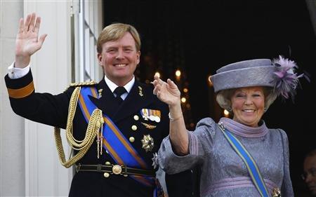 Vilmos Sándor herceg, trónörökös és édesanyja, Beatrix holland királynő