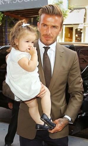 David Beckham brit labdarúgó másfél éves kislányával, Harper Sevennel
