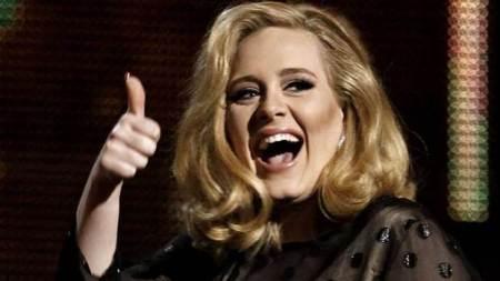 Adele Grammy-díjas brit énekesnő
