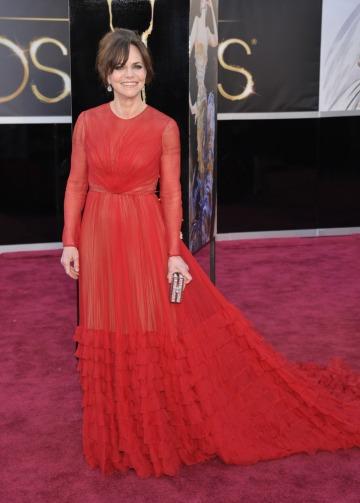 Sally Field amerikai színésznő a 85. alkalommal megrendezett Oscar-díjkiosztó gálán a Los Angelesben 2013. február 24-én