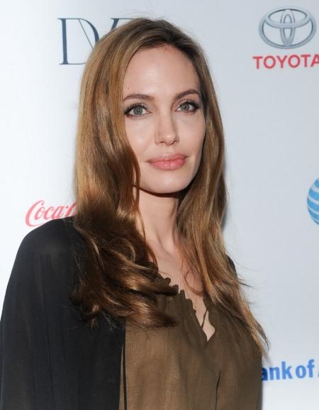 Angelina Jolie Oscar-díjas amerikai színésznő a 4. Women in the World gálán New Yorkban 2013. április 4-én