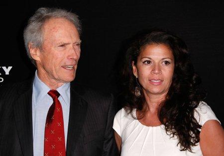 Clint Eastwood Oscar-díjas amerikai színész-rendező és felesége, Dina