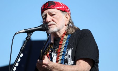 Willie Nelson Grammy-díjas countryénekes