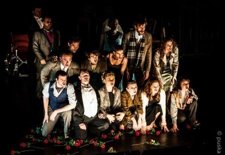 Szereplők a Mephisto című darabban a Nemzeti Színházban