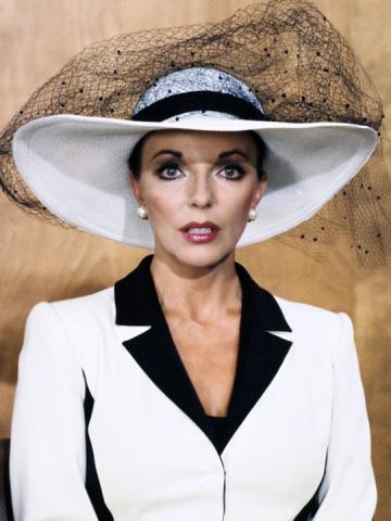 Joan Collins brit színésznő a Dinasztia című sorozatban