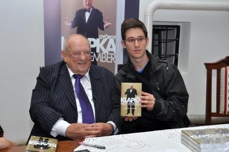 Klpka György üzletemberrel az Aranyember című életrajzi könyve bemutatóján 2013. május 30-án