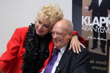 Medveczky Ilona táncművész és Klapka György üzletemberrel az Aranyember című életrajzi könyve bemutatóján 2013. május 30-án